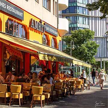 Amrit Berlin indisches Restaurant Schöneberg Terrase