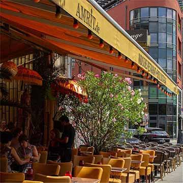 Amrit Berlin indisches Restaurant Mitte Außenbereich