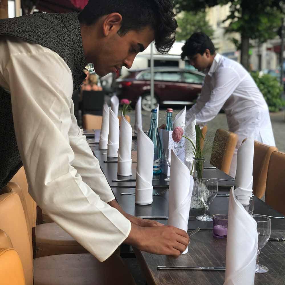 Amrit Berlin Gruppen Events Tisch indisches Restaurant